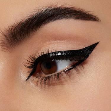 Lancome-Eyeliners-And-Eye-pencils-Artliner-07_Green_Metallic-000-3614272458376-alt4