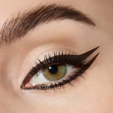Lancome-Eyeliners-And-Eye-pencils-Artliner-07_Green_Metallic-000-3614272458376-alt7